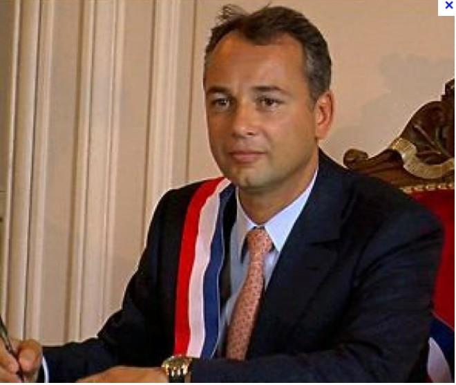 Karsenty, maire adjoint de Neuilly