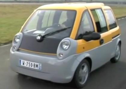 La voiture Mia